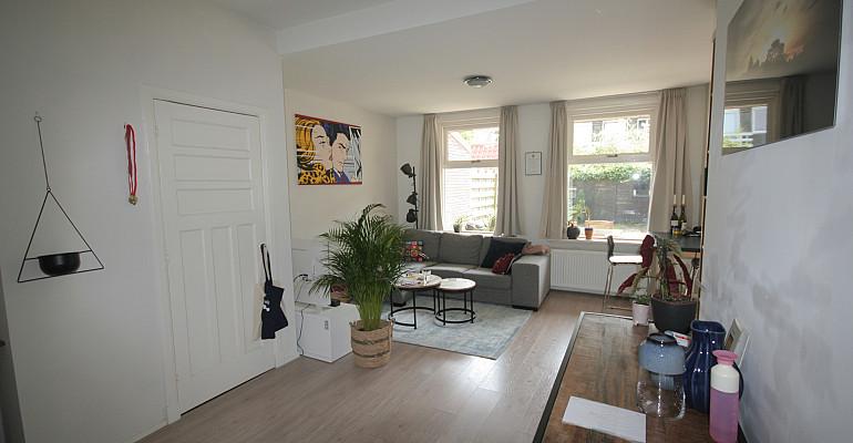 Per 1 augustus beschikbaar appartement met royale achtertuin